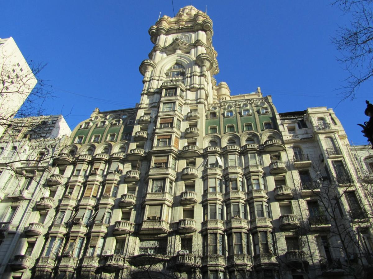 Edificio Palacio Barolo en la Avenida de Mayo de Buenos Aires