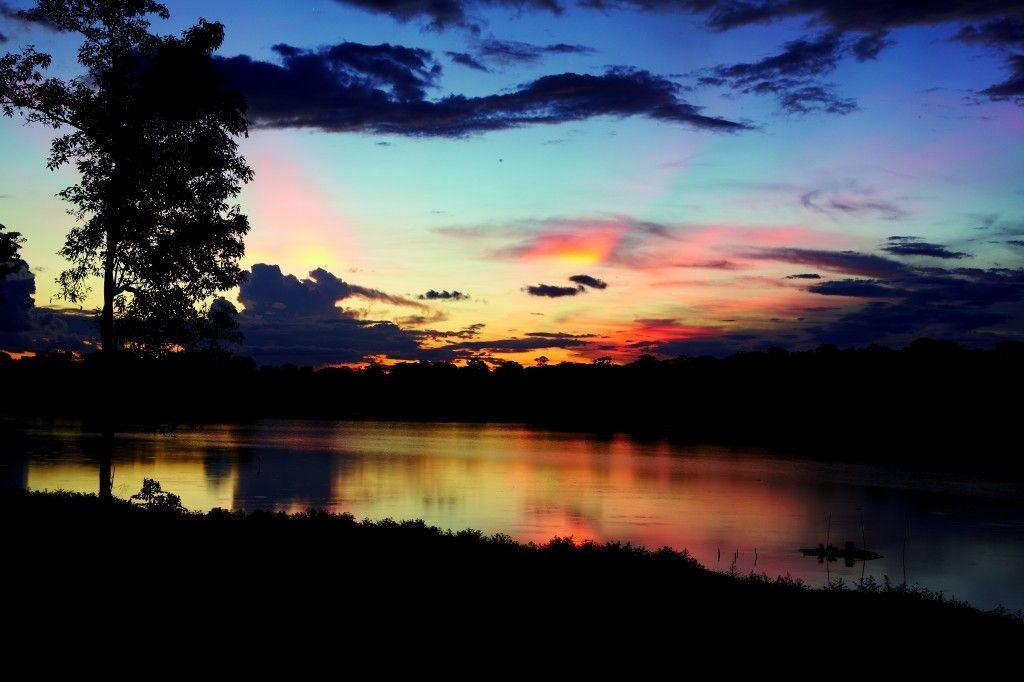 Atardecer en Iquitos, Perú