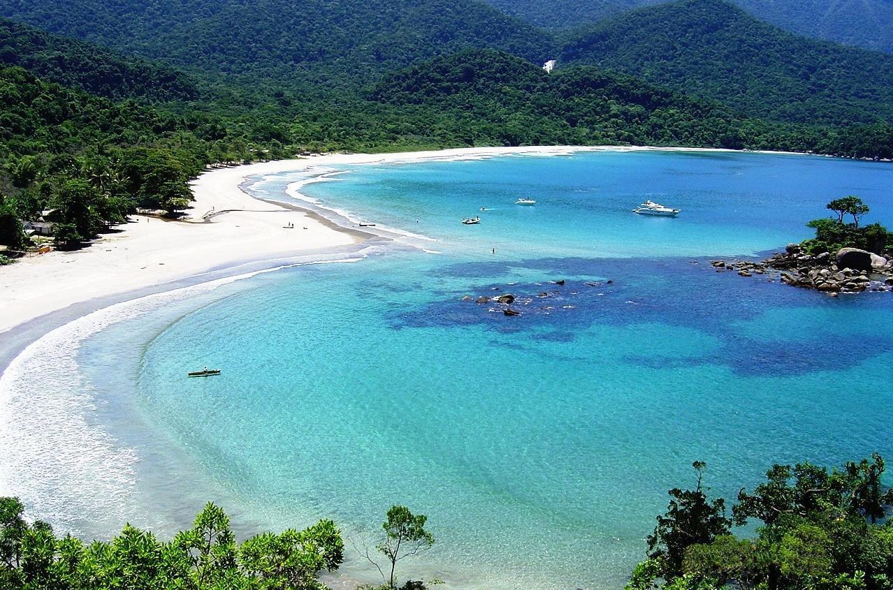 Playa en Ilhabela cerca de San Pablo