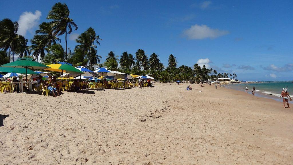 Playa Stella Maris en la ciudad de Bahía