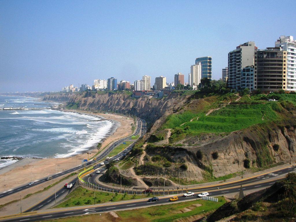 Playas y acantilados en Lima, Perú