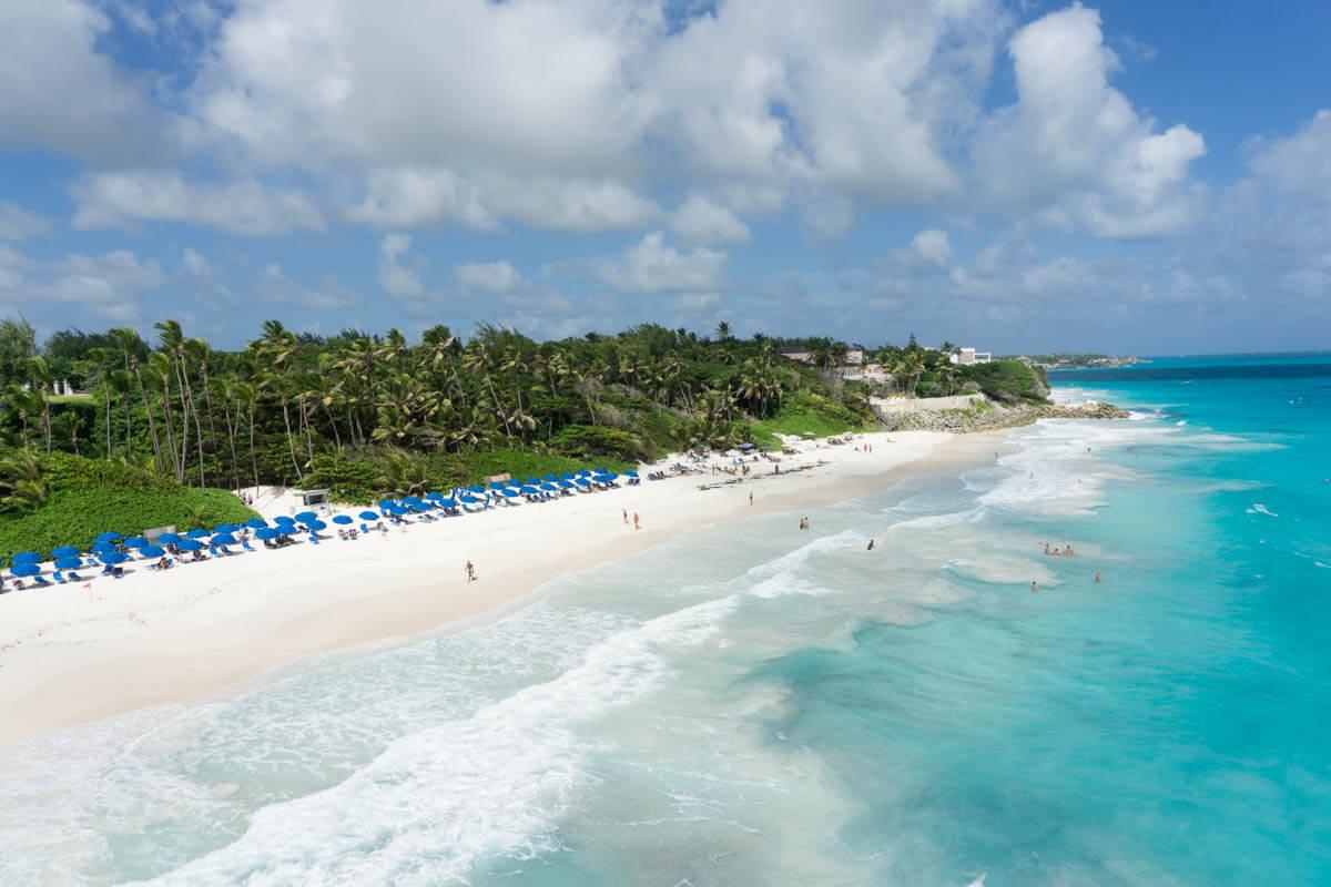 Las playas de Barbados poseen una de las aguas más cristalinas del Caribe