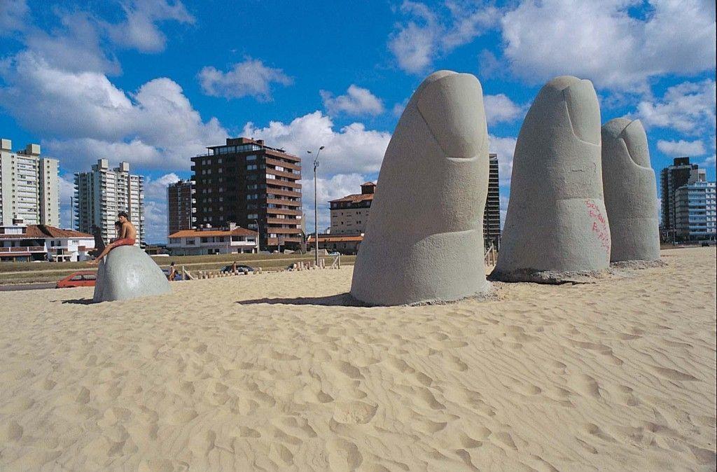 5 Dedos en la playa de Punta del Este
