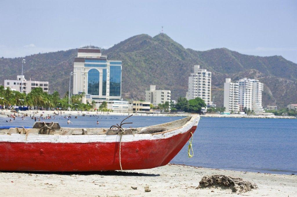 playa-ciudad-santa-marta-colombia