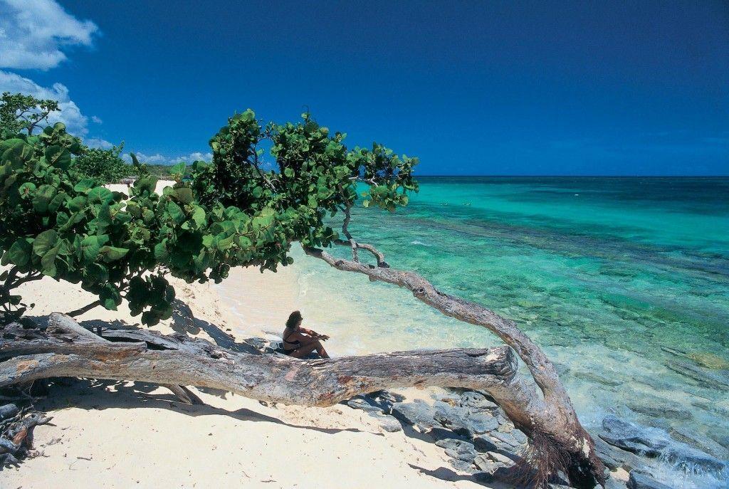 La tranquilidad y belleza de las playas cubanas