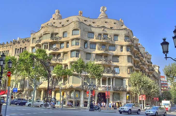 Casa Mila Barcelona Gaudi