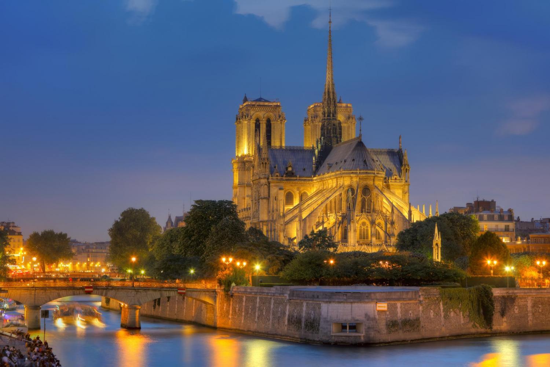 Notre Dame vista desde el Sena