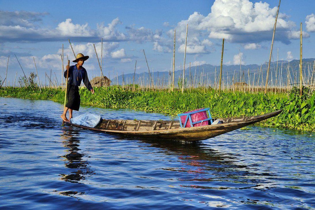 Los típicos pescadores en el lago Inle