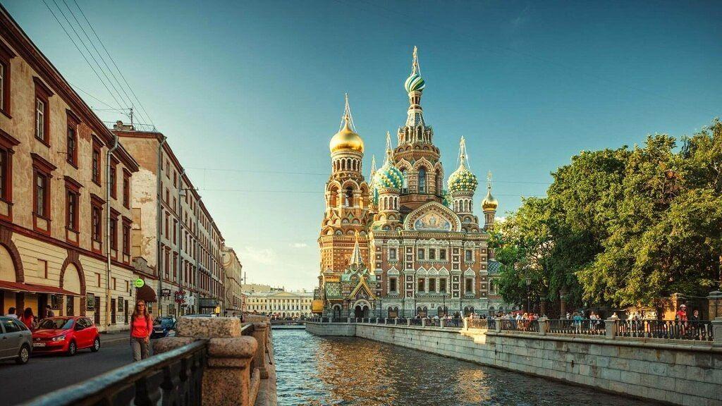 Los contrastes aequitectónicos, una joya que el turista podrá conocer en tu visita a San Petersburgo